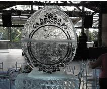 Escultura em Gelo Personalizada para Casamento