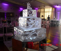Escultura em Gelo de Bolo Quadrado para Casamento