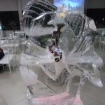 Escultura de Casal de Noivos em Gelo