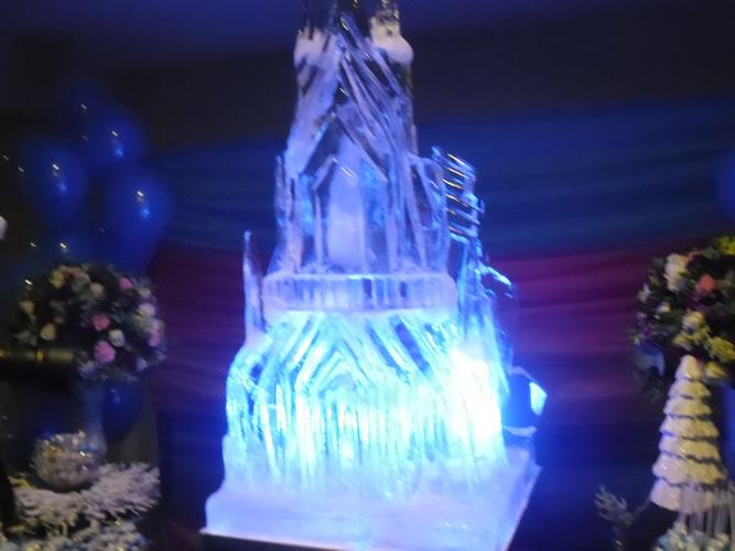 Escultura em Gelo do Castelo do Frozen